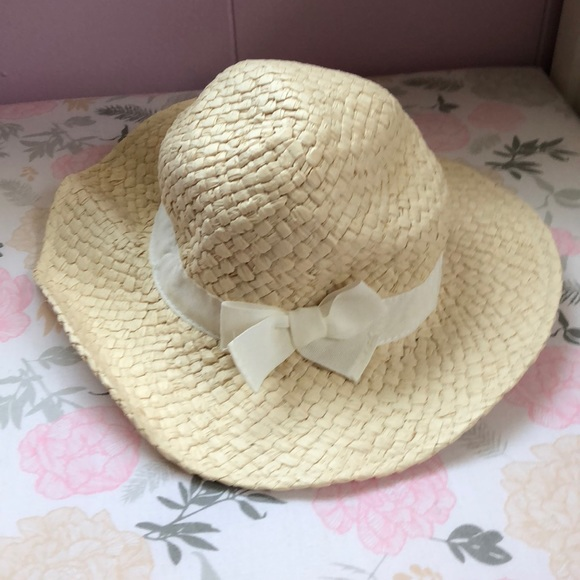 76b4a0bd Old Navy Wide Brim Straw Hat Baby Girl. M_5b4b919d3c98444079a43f24